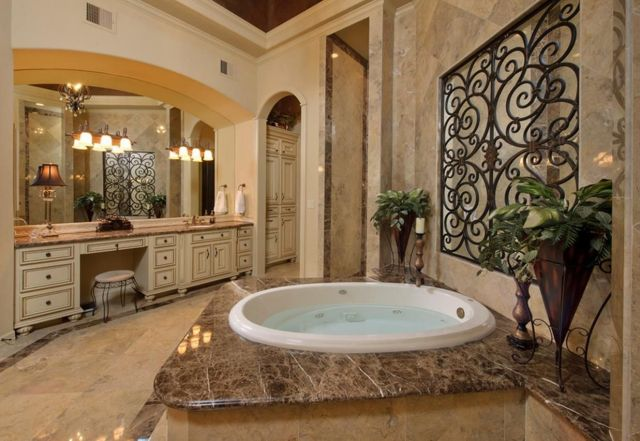03 Luxury Mediterranean Bathroom Themes Design
