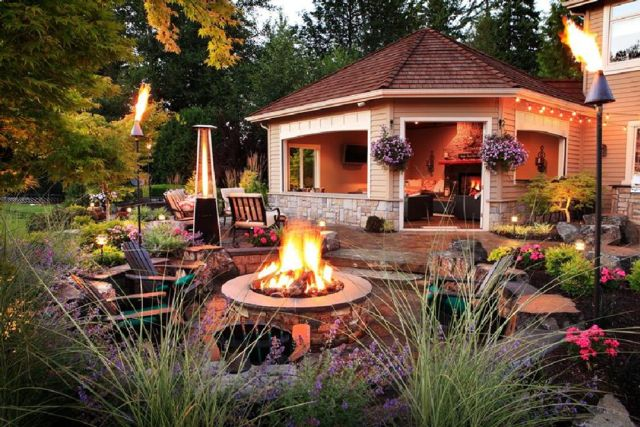 Garden Backyard Design Ideas with Gazebo 04