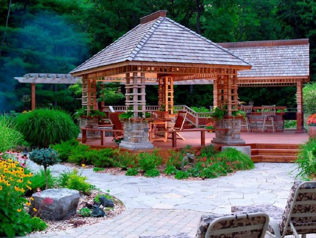 Garden Backyard Design Ideas with Gazebo 01