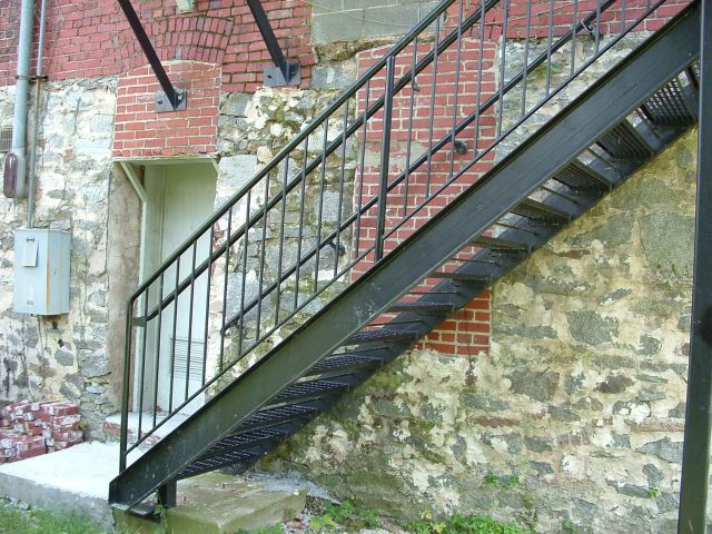 Design of Outdoor Industrial Stairs 4