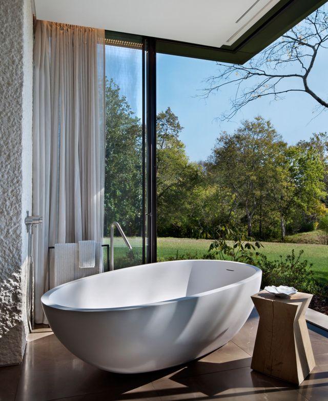 Modern Outdoor Bathroom 1