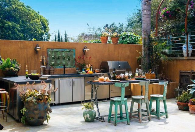 Rustic Style Outdoor Kitchen 2