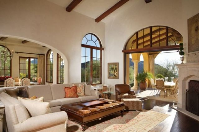 02 Exceptionally Luxury Mediterranean Living Room