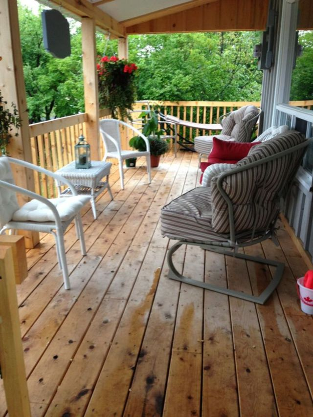 Rustic Style Front Porch Decoration Ideas 1