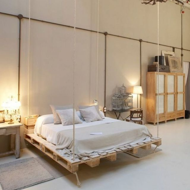 Changeable Wooden Pallets to be hanging beds