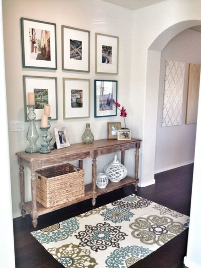 Entryway Decorating Ideas with Wall Decoration