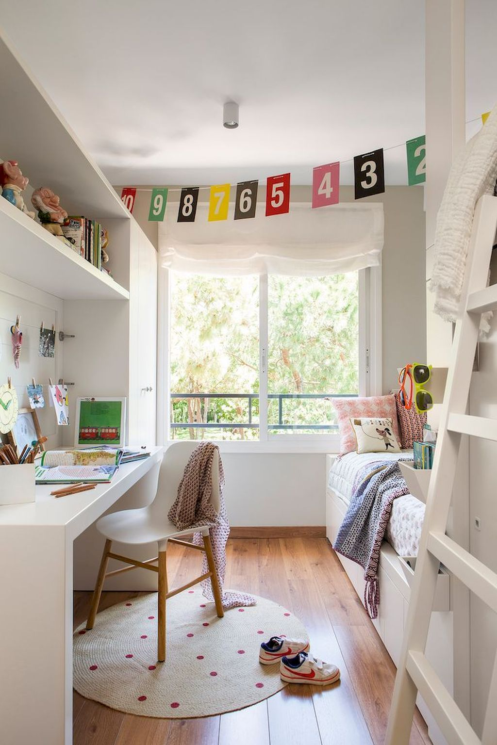 Children Bedroom084