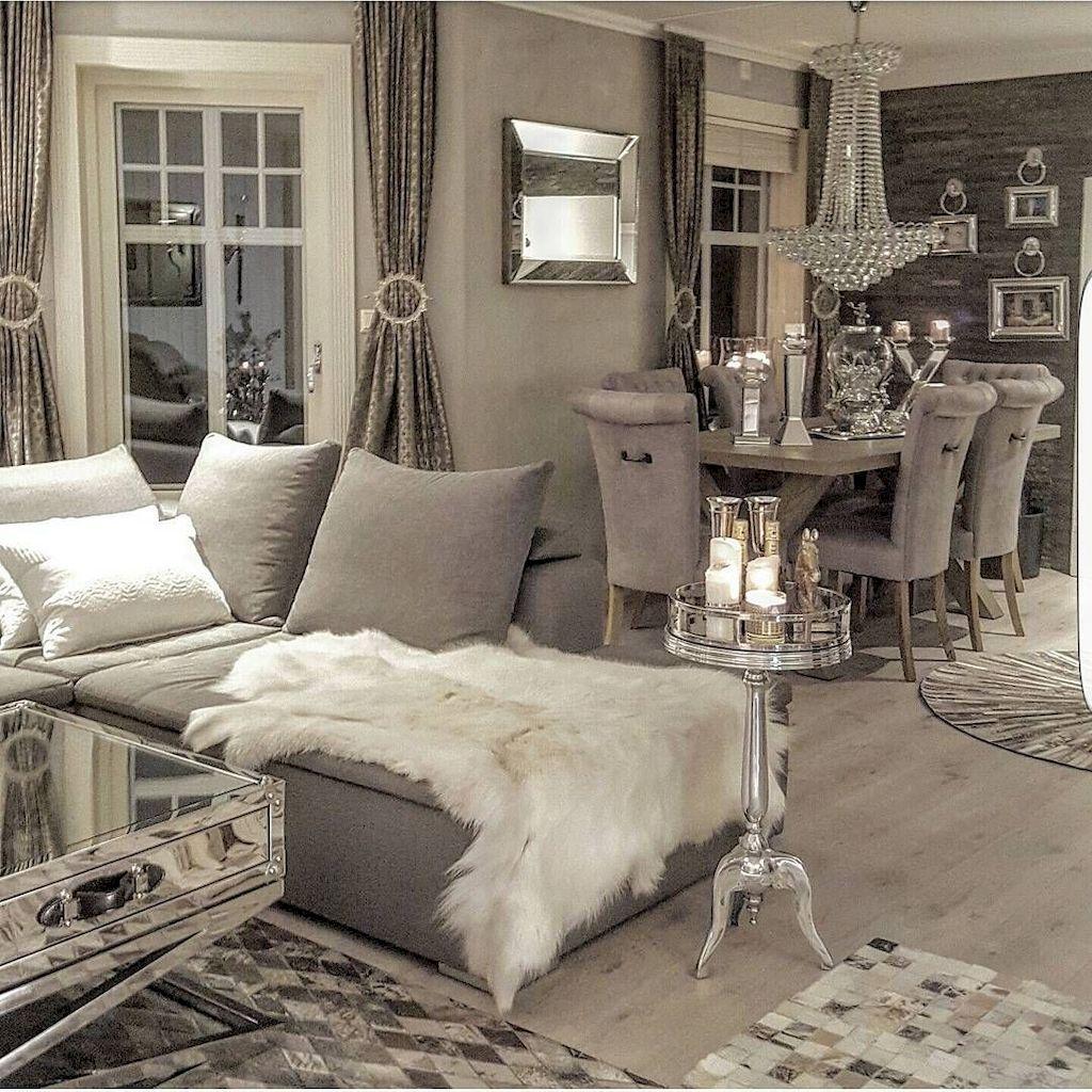 Cozy Living Room021