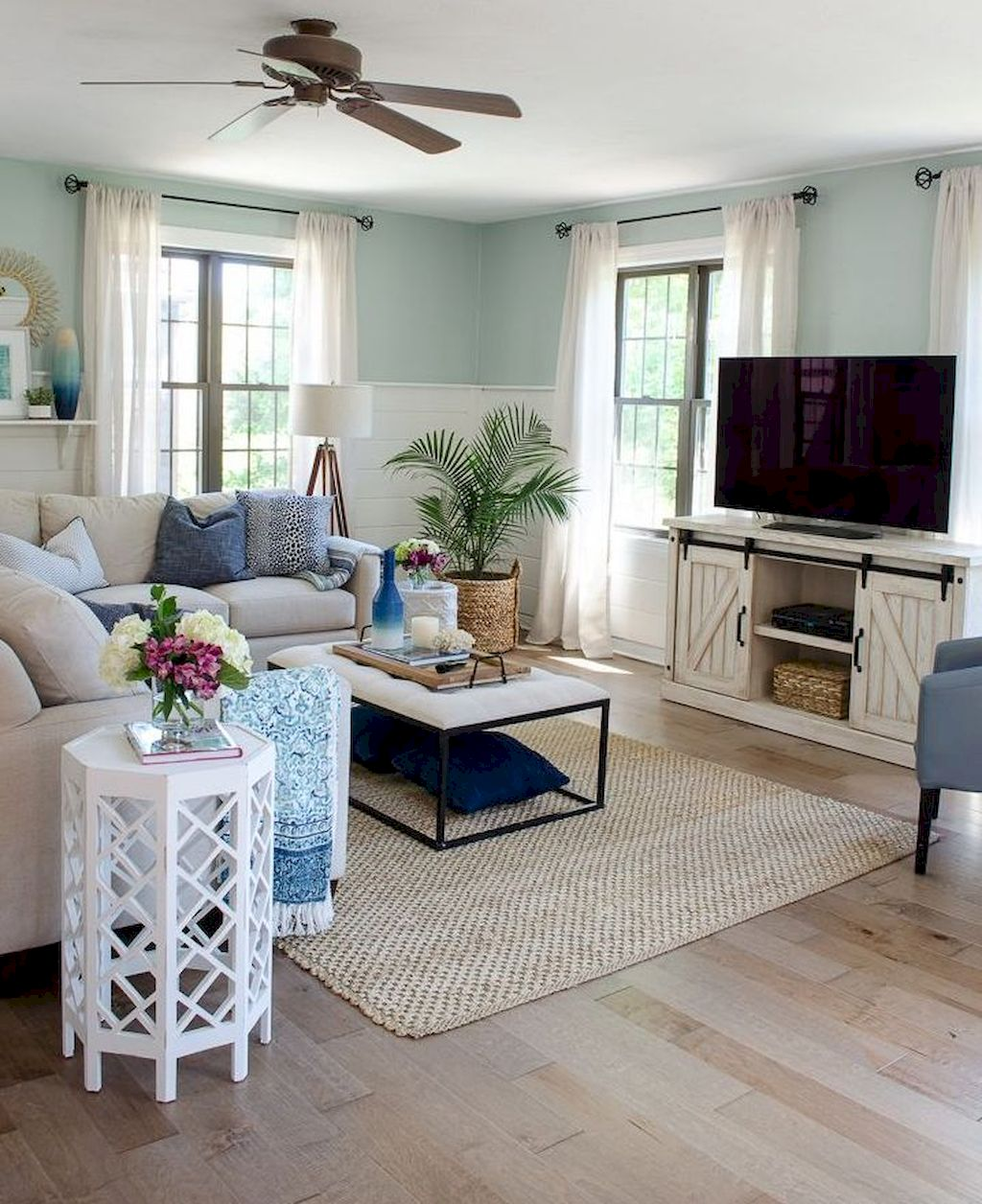 Cozy Living Room030