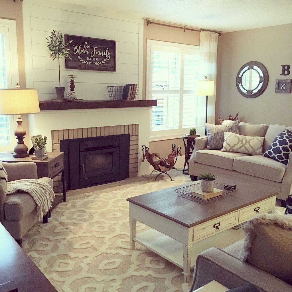 Cozy Living Room042