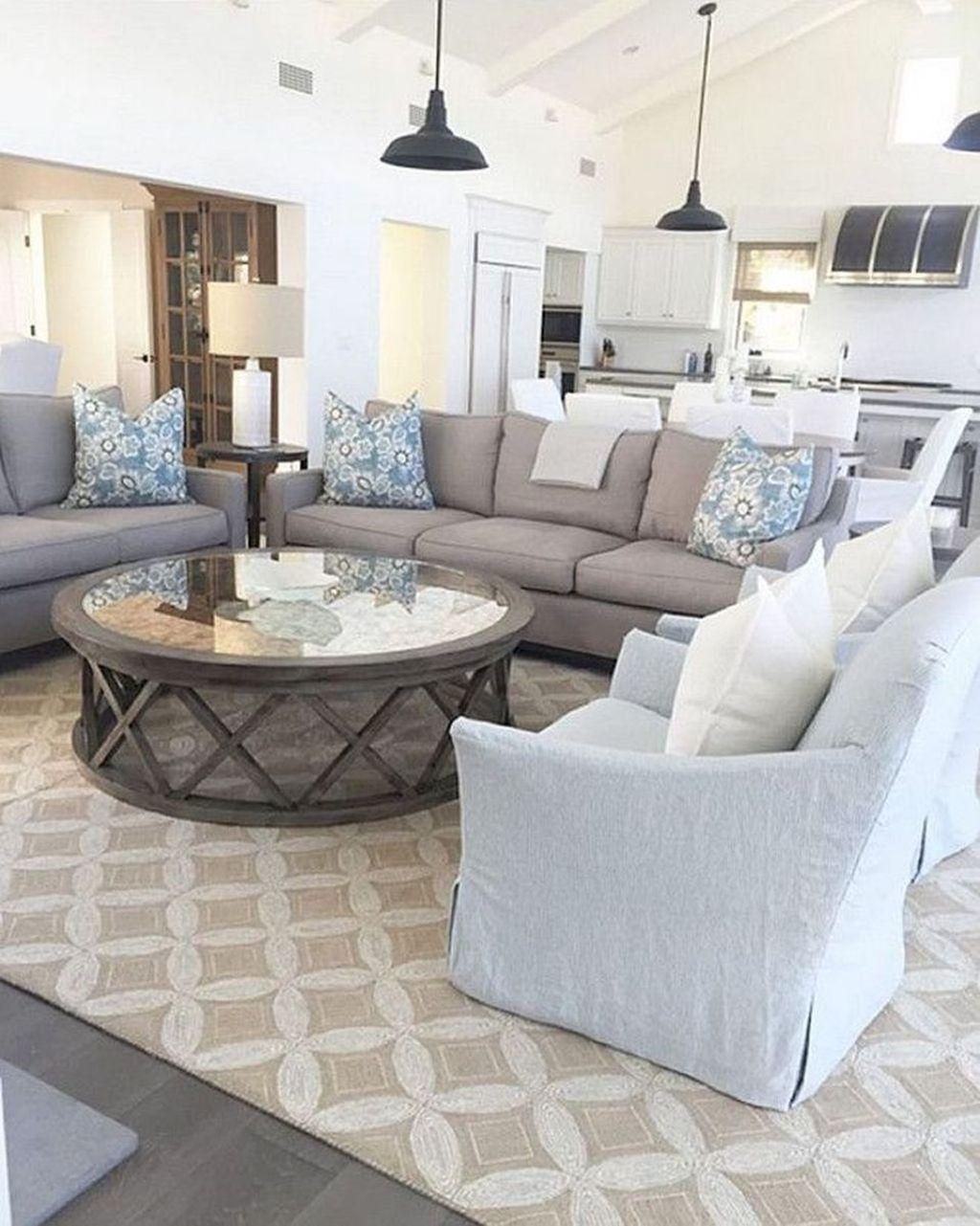 Cozy Living Room044