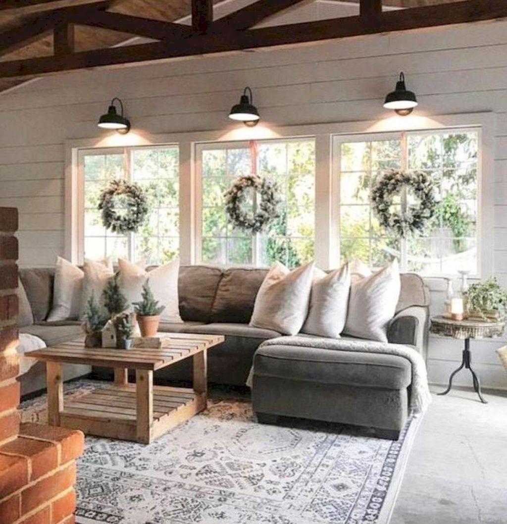 Cozy Living Room058