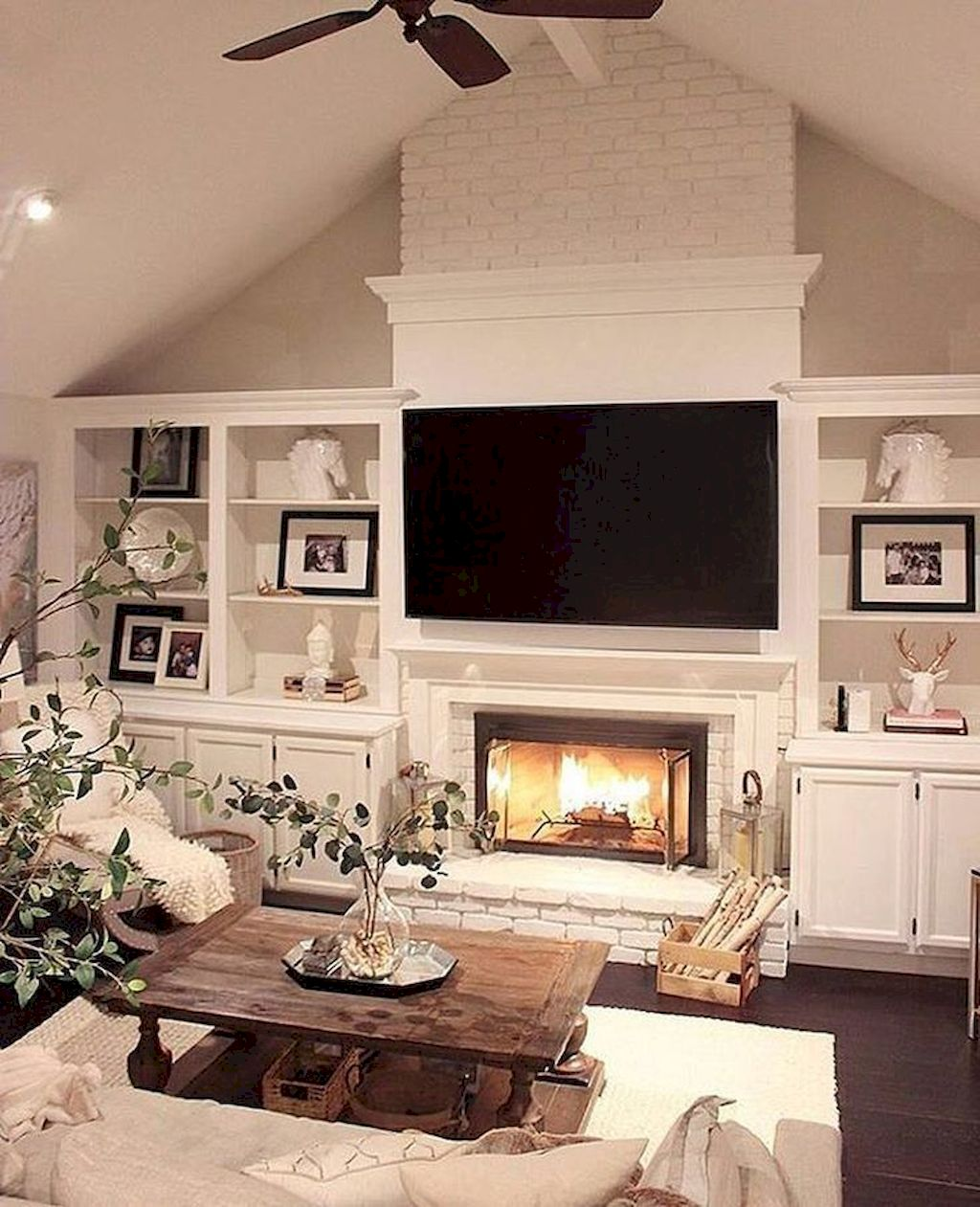 Cozy Living Room124
