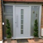 Elegant Front Door Decorating Ideas 3