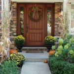 Elegant Front Door Decorating Ideas 8
