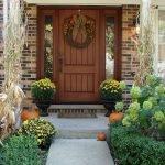 Elegant Front Door Decorating Ideas 8