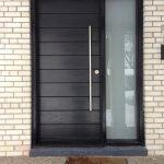 Elegant Front Door Decorating Ideas 43