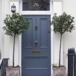Elegant Front Door Decorating Ideas 44