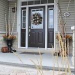 Elegant Front Door Decorating Ideas 91