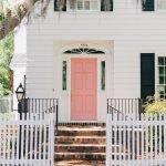 Elegant Front Door Decorating Ideas 111