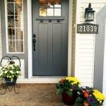 Elegant Front Door Decorating Ideas 137