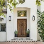 Elegant Front Door Decorating Ideas 196