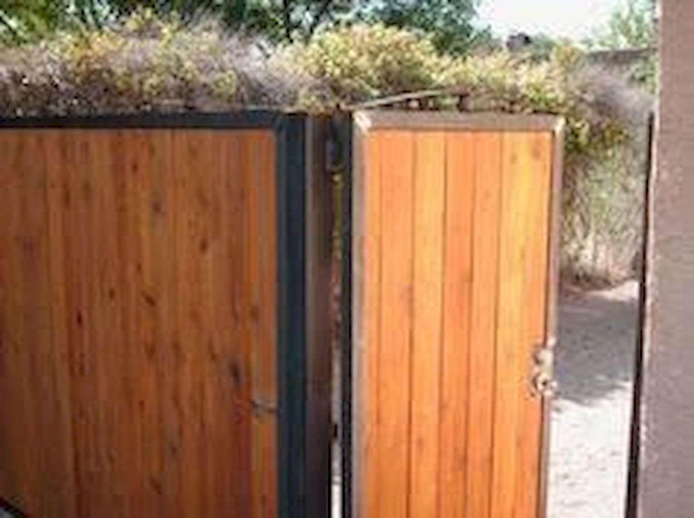 Garden Fencing Ideas112