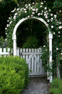 Awesome Garden Fencing Ideas For You to Consider 25