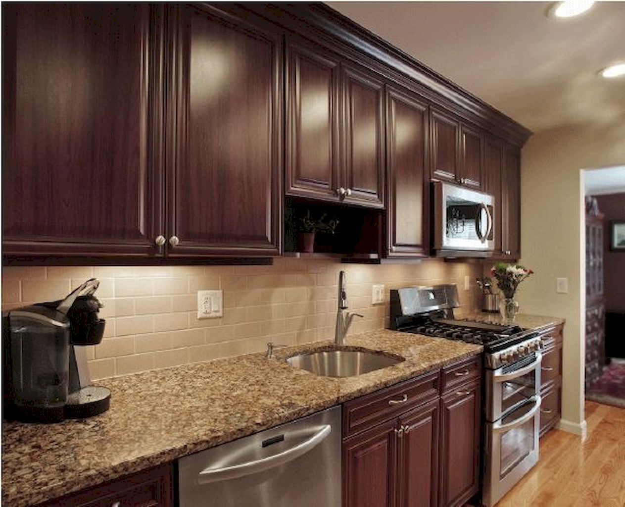 Kitchen Cabinet038