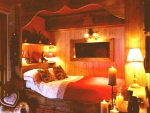 Bedroom Decoration ideas for Romantic Moment 149