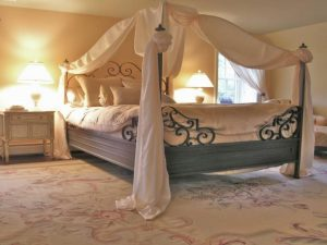 Bedroom Decoration ideas for Romantic Moment 10