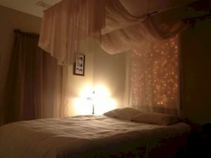 Bedroom Decoration ideas for Romantic Moment 26