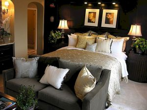 Bedroom Decoration ideas for Romantic Moment 38