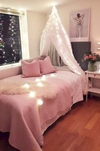 Bedroom Decoration ideas for Romantic Moment 82