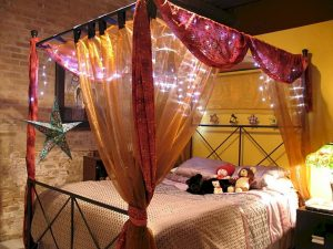 Bedroom Decoration ideas for Romantic Moment 104