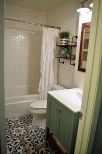 Amazing Small Bathrooms In Small Appartment Ideas 17