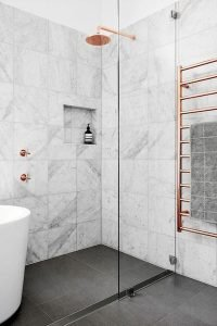 Amazing Small Bathrooms In Small Appartment Ideas 107