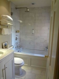 Amazing Small Bathrooms In Small Appartment Ideas 136