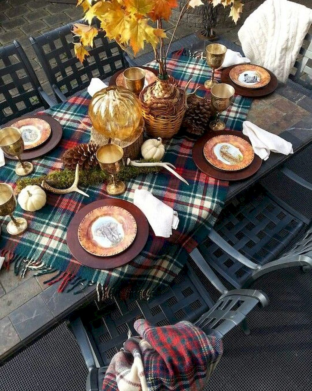 Add Warmth to Your Gathering Thanksgiving Decoration 170