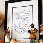 Add Warmth to Your Gathering Thanksgiving Decoration 11