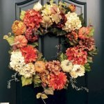 Add Warmth to Your Gathering Thanksgiving Decoration 12