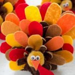 Add Warmth to Your Gathering Thanksgiving Decoration 17