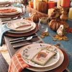 Add Warmth to Your Gathering Thanksgiving Decoration 34
