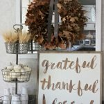 Add Warmth to Your Gathering Thanksgiving Decoration 38