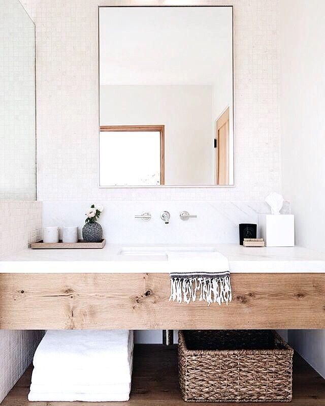 White Bathroom010