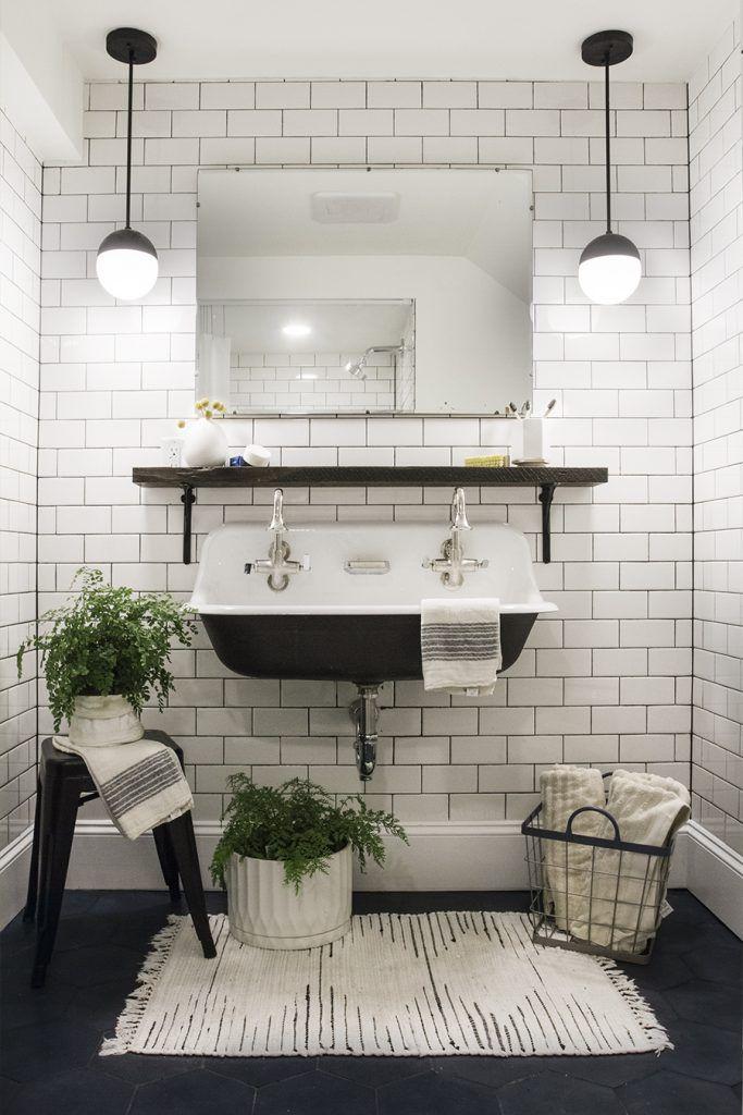 White Bathroom012