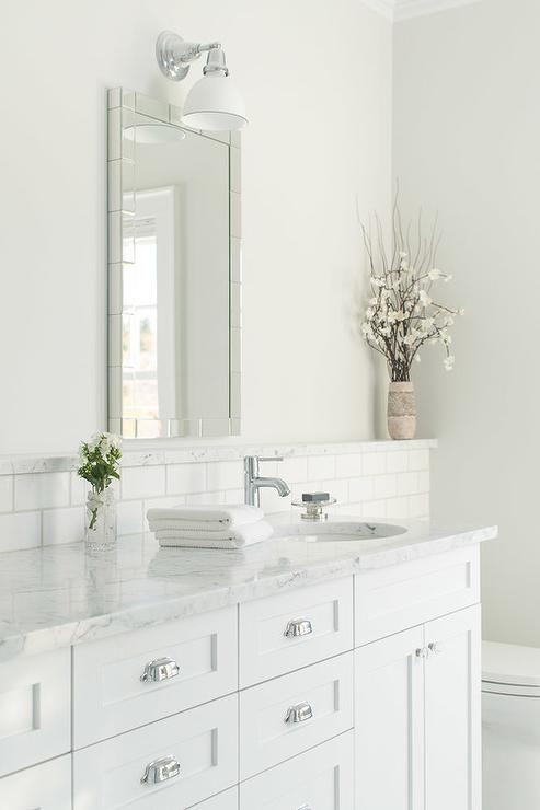 White Bathroom016