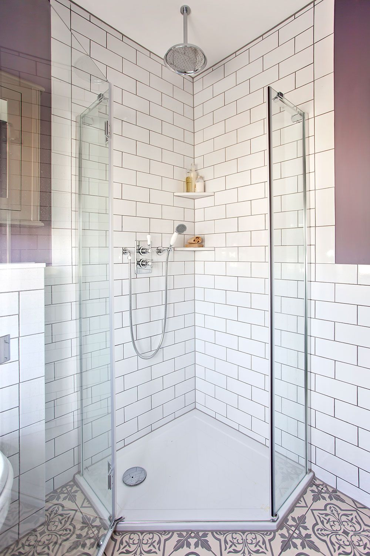 White Bathroom018