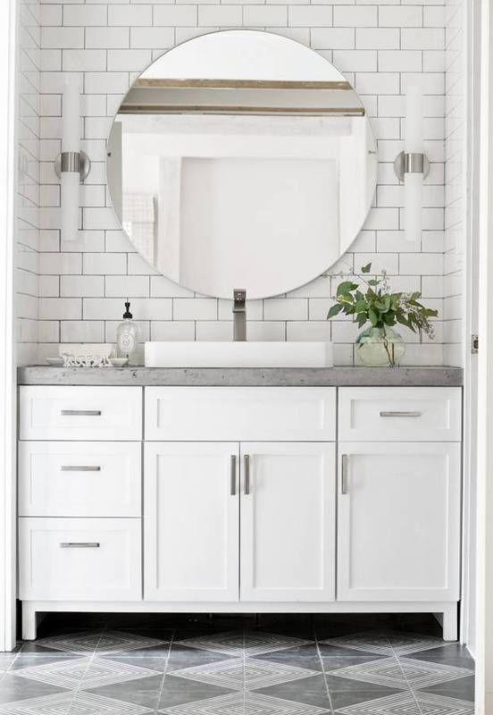 White Bathroom025