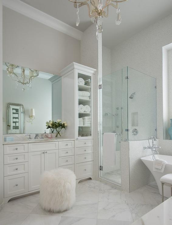 White Bathroom032